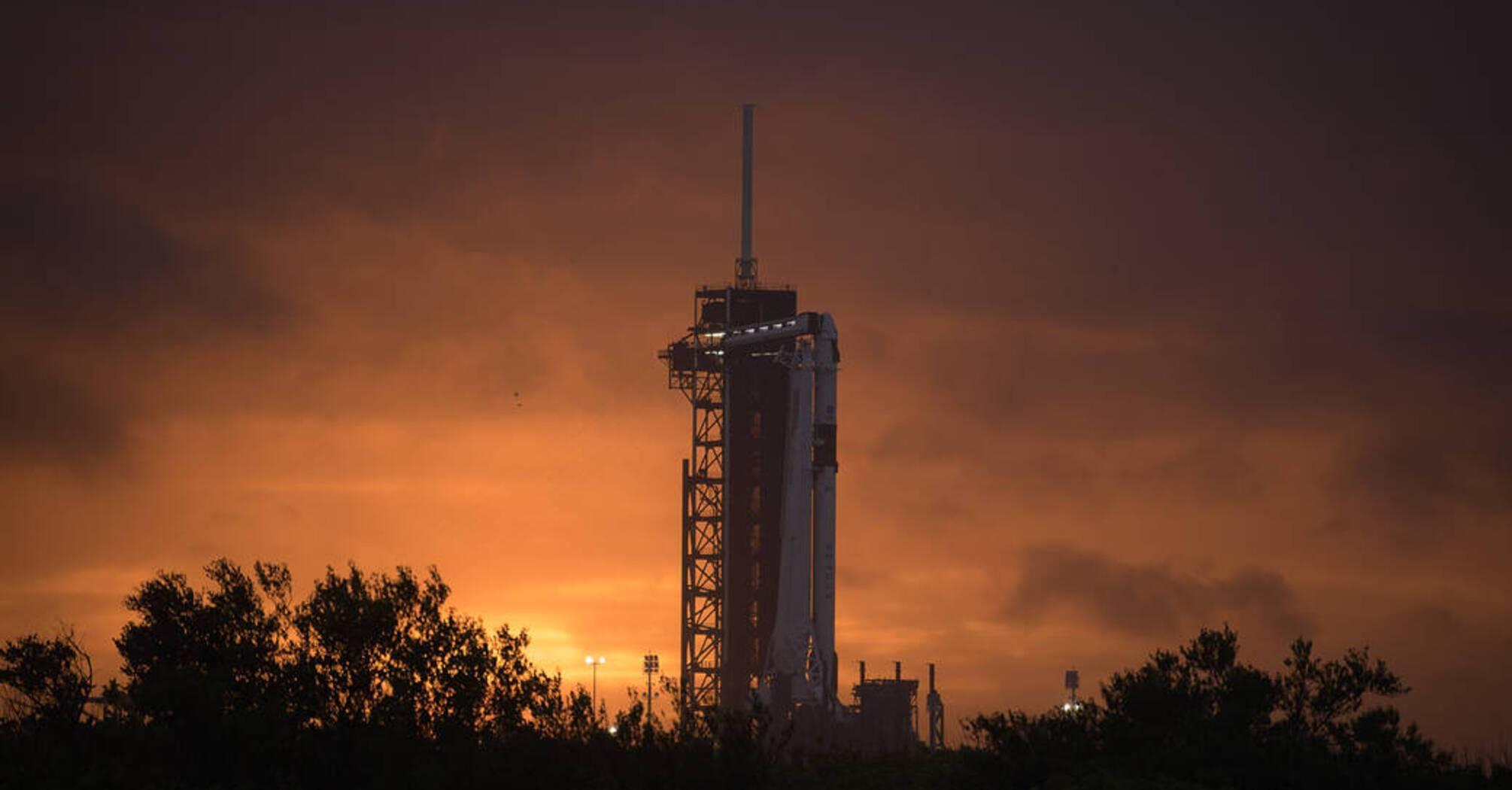 Історичний запуск SpaceX відклали через погоду: коли він відбудеться