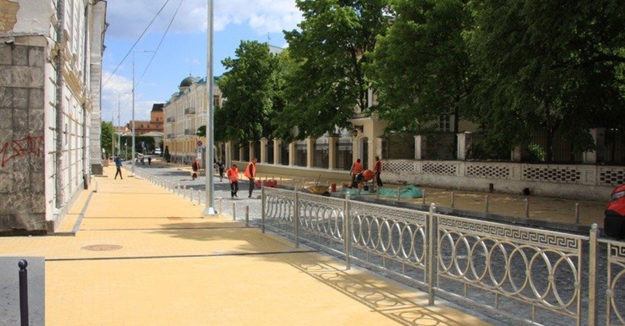 На Подолі завершують реконструкцію Покровської вулиці. Які недоліки вже помітили кияни? (фото)