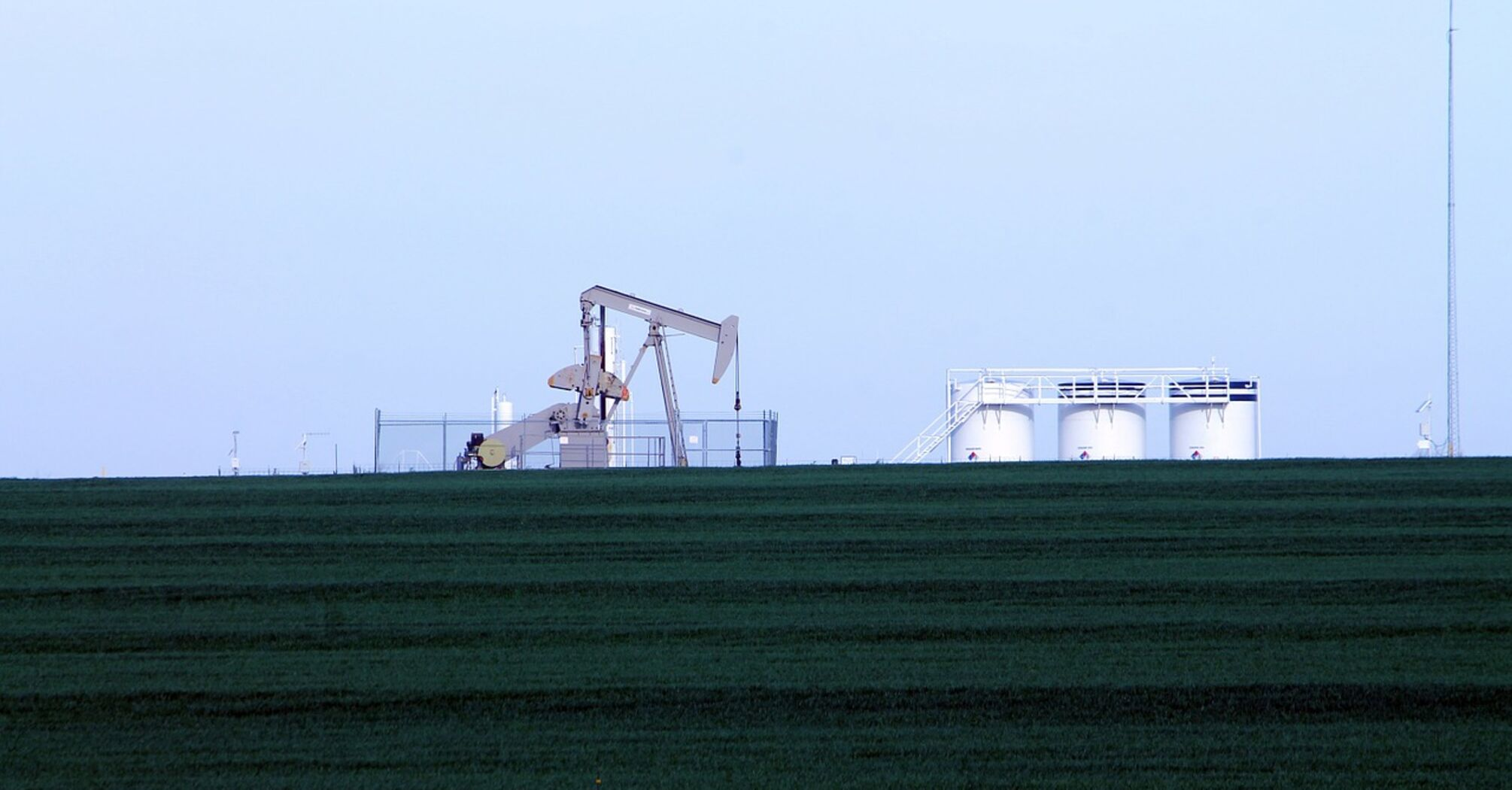 Цены на нефть достигли новой отметки: сколько стоит баррель
