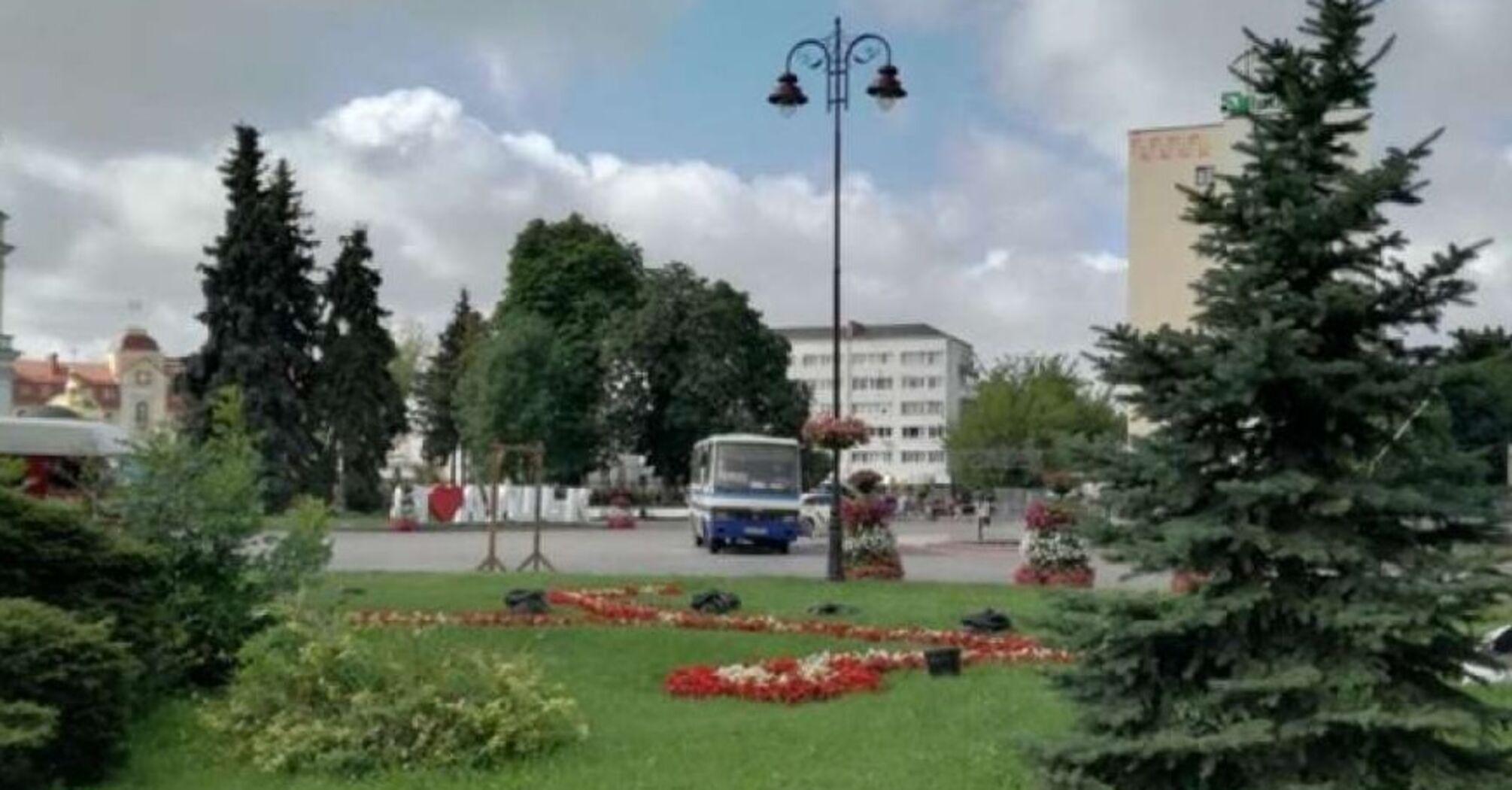 В Луцке захватили автобус с заложниками