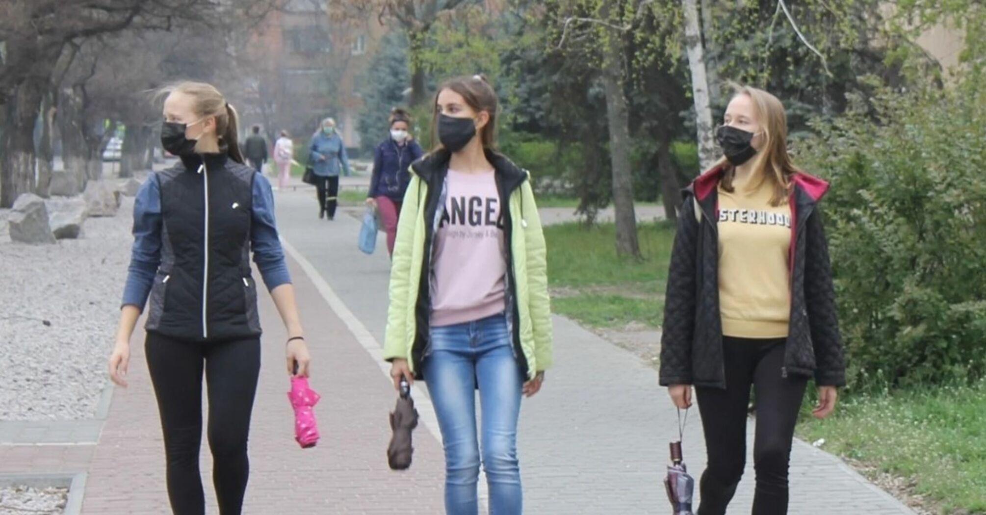 За минулу добу на COVID-19 захворіло більше українців, ніж одужало