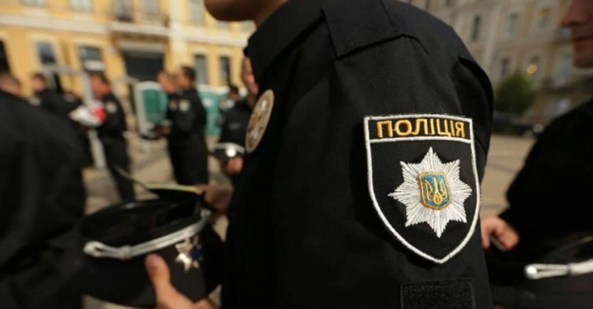 В Полтаві злочинець утримує в заручниках правоохоронця