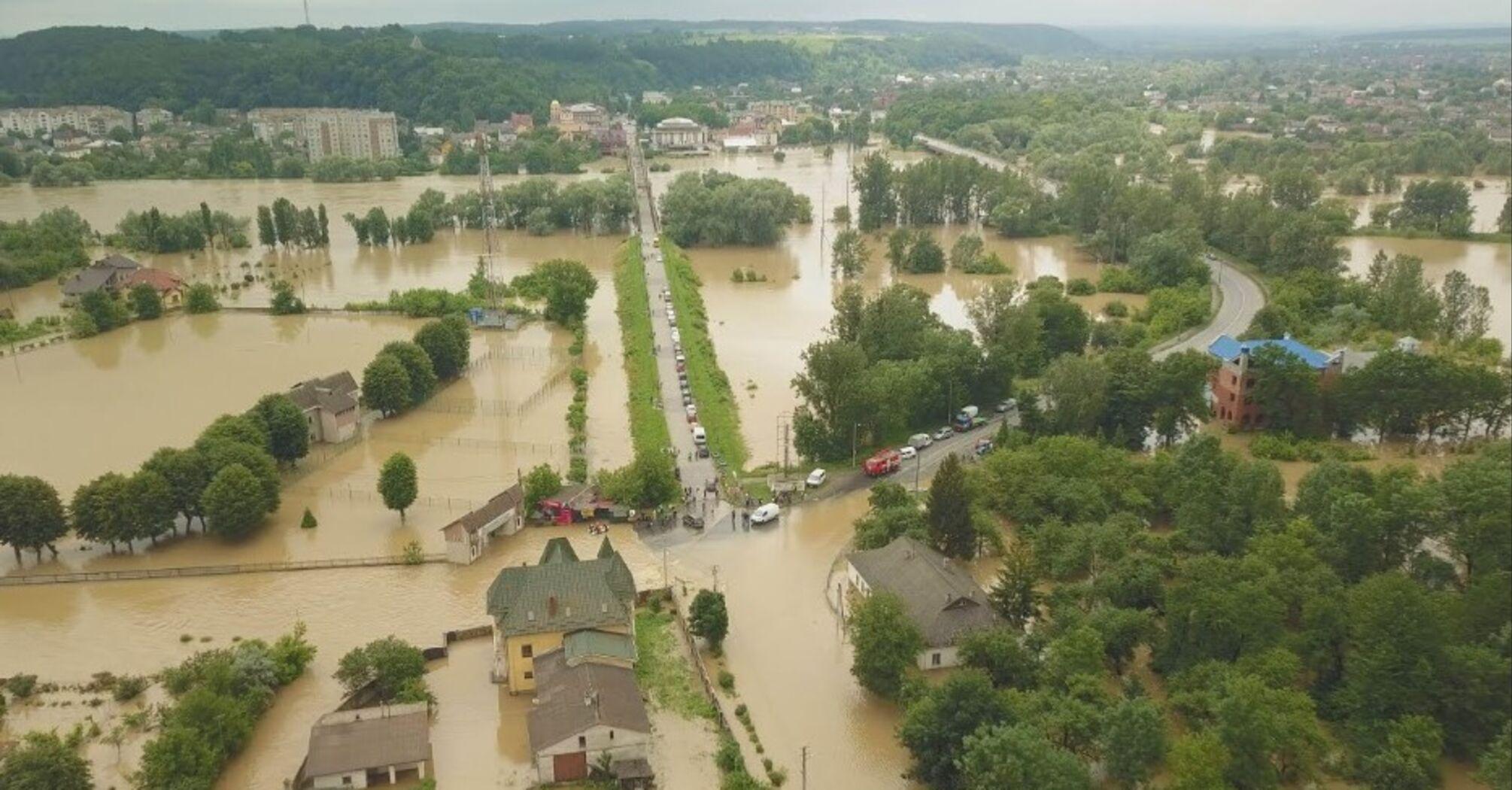 Спасатели ожидают новые наводнения на Западной Украине