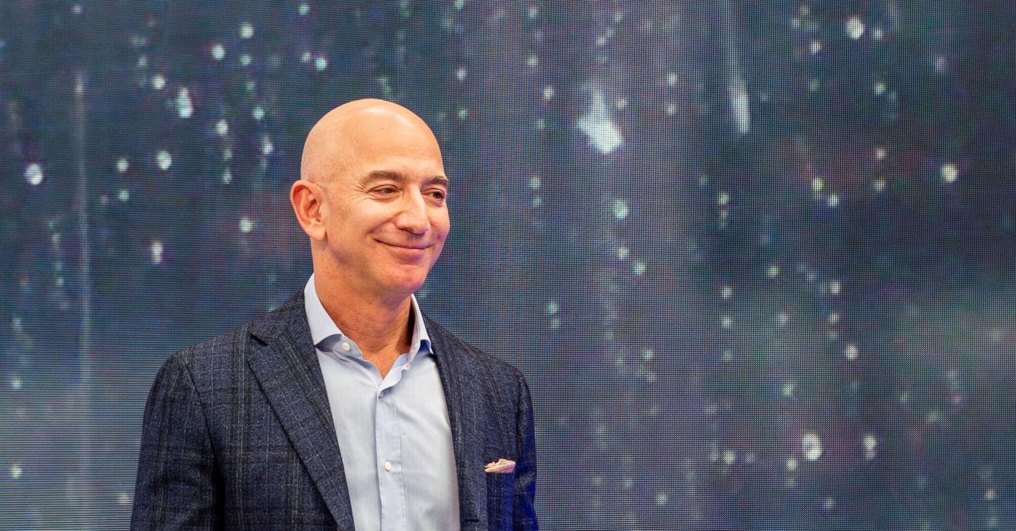 Безос продал акций Amazon еще почти на $2 миллиарда