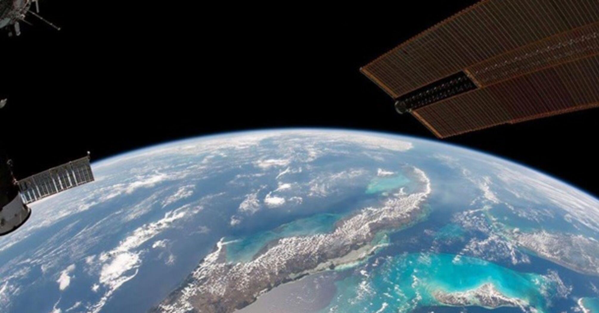 NASA опублікувала вражаюче фото Землі з космосу