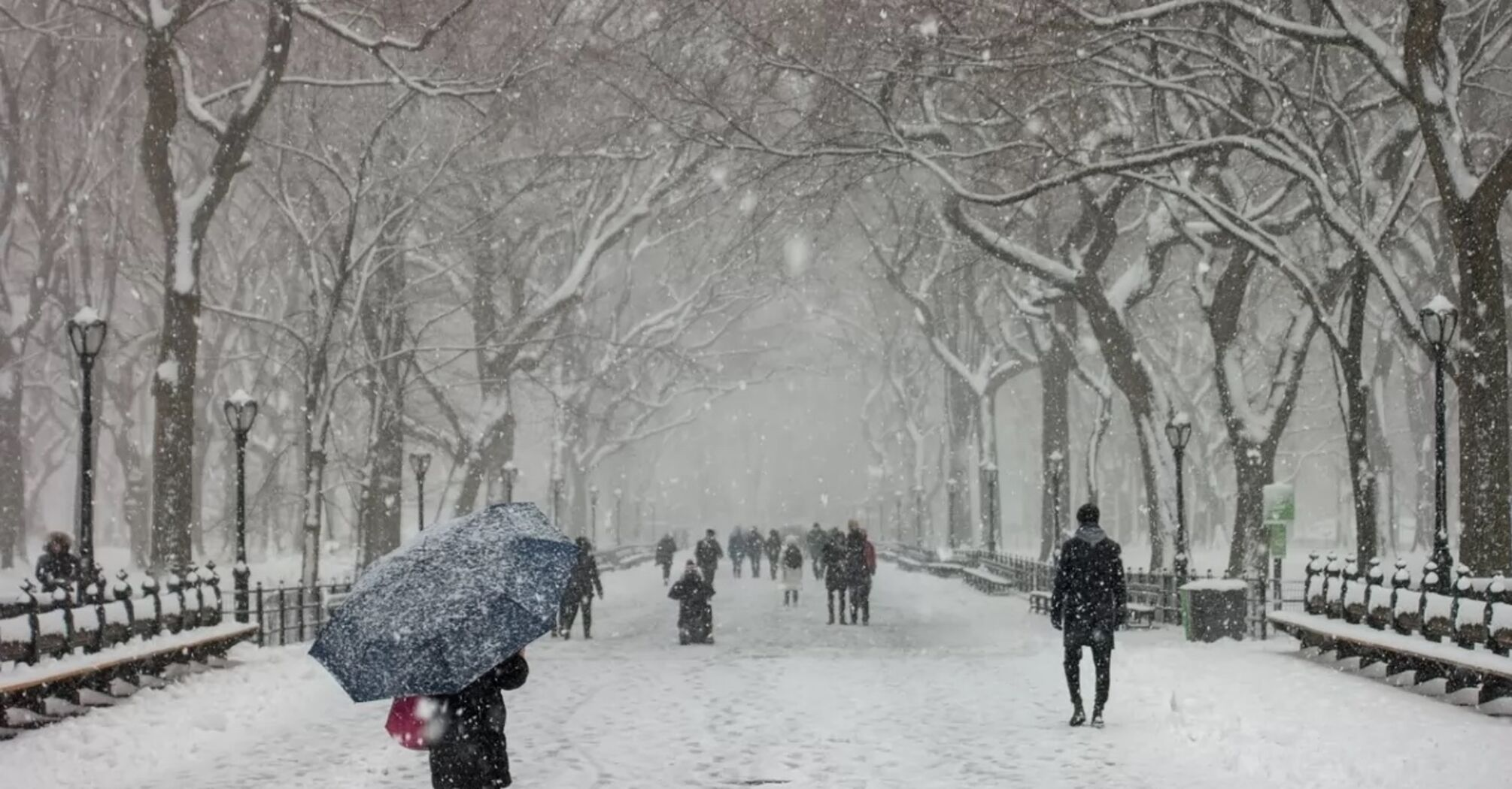 На Киев надвигаются снегопады и морозы: в городе развернули пункты обогрева