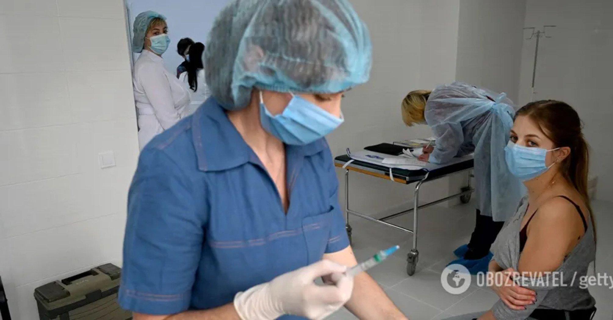 В Украине за сутки вакцинировали более 10 тысяч человек