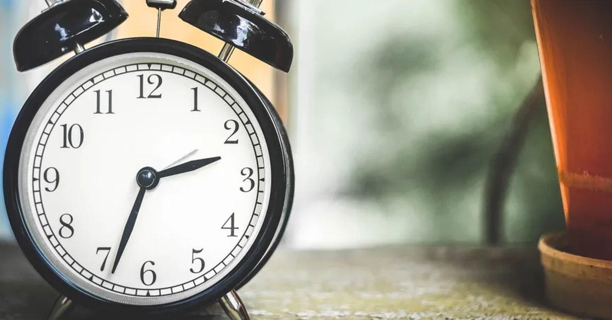 В Украине отменят перевод часов: врач пояснил, зачем это нужно