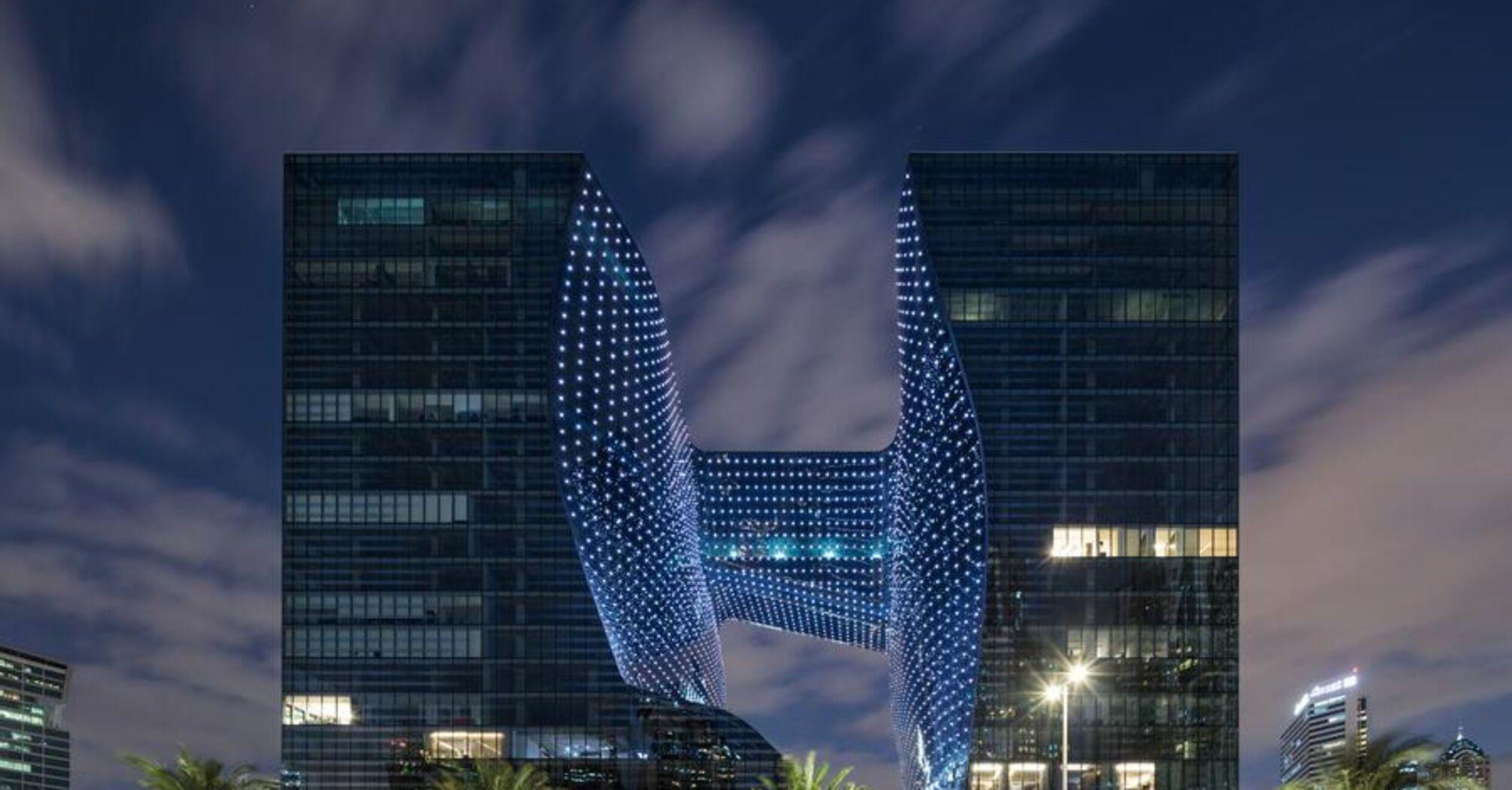 Здание Захи Хадид получила две архитектурные премии