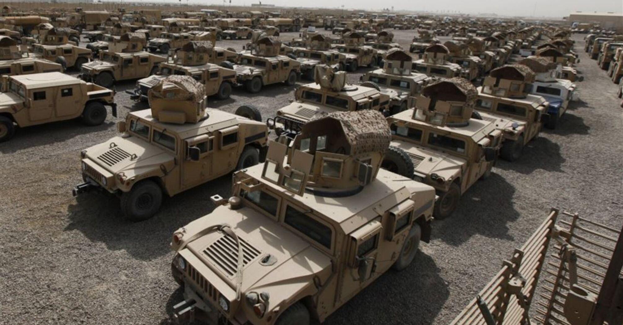 Американцы перед уходом из Афганистана вывели из строя вертолеты, бронемашины и системы защиты в аэропорту Кабула