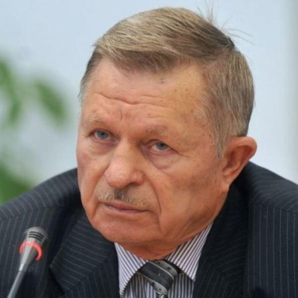 Анатолий Лопата